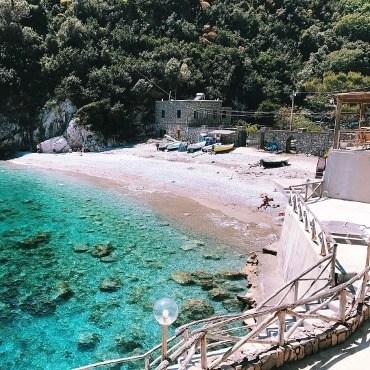 CONCA DEL SOGNO LUXURY CELEBRITIES GLAMOUR BEACH CLUB JOURNAL IMAGE